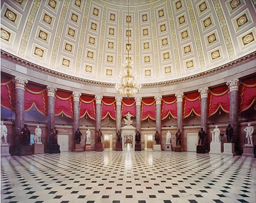 STATUARY HALL By user:Southgeist [Public domain], via Wikimedia Commons
