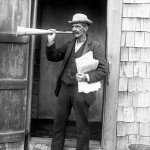512px-Billy_Clark_town_crier_Nantucket