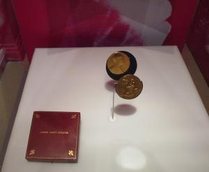 934px-Biblioteca_Nacional_-_Nobel_Prize_for_Literature_-_Gabriel_Garcia_Marquez_-_Closeup