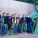 A group of students at the FDR memorial. Don't miss the dog statue.
