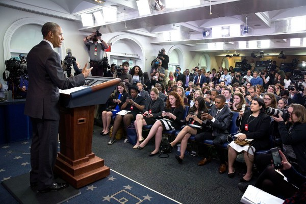 President_Barack_Obama_delivers_remarks_to_student_reporters_during_College_Reporter_Day_(26608406502)