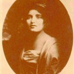 Alice Joyce as seen in 1912.