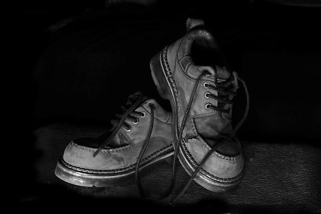 shoes-269335_640