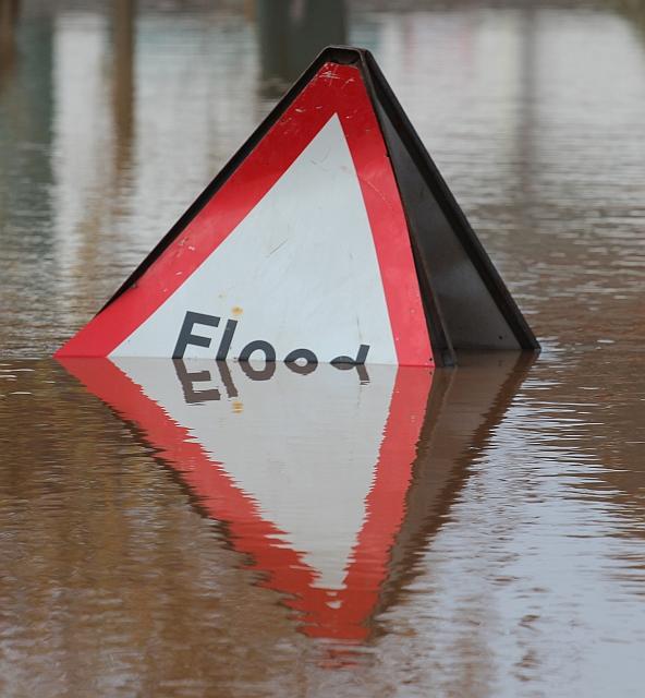 Overwhelmed_Flood_sign,_Upton-upon-Severn