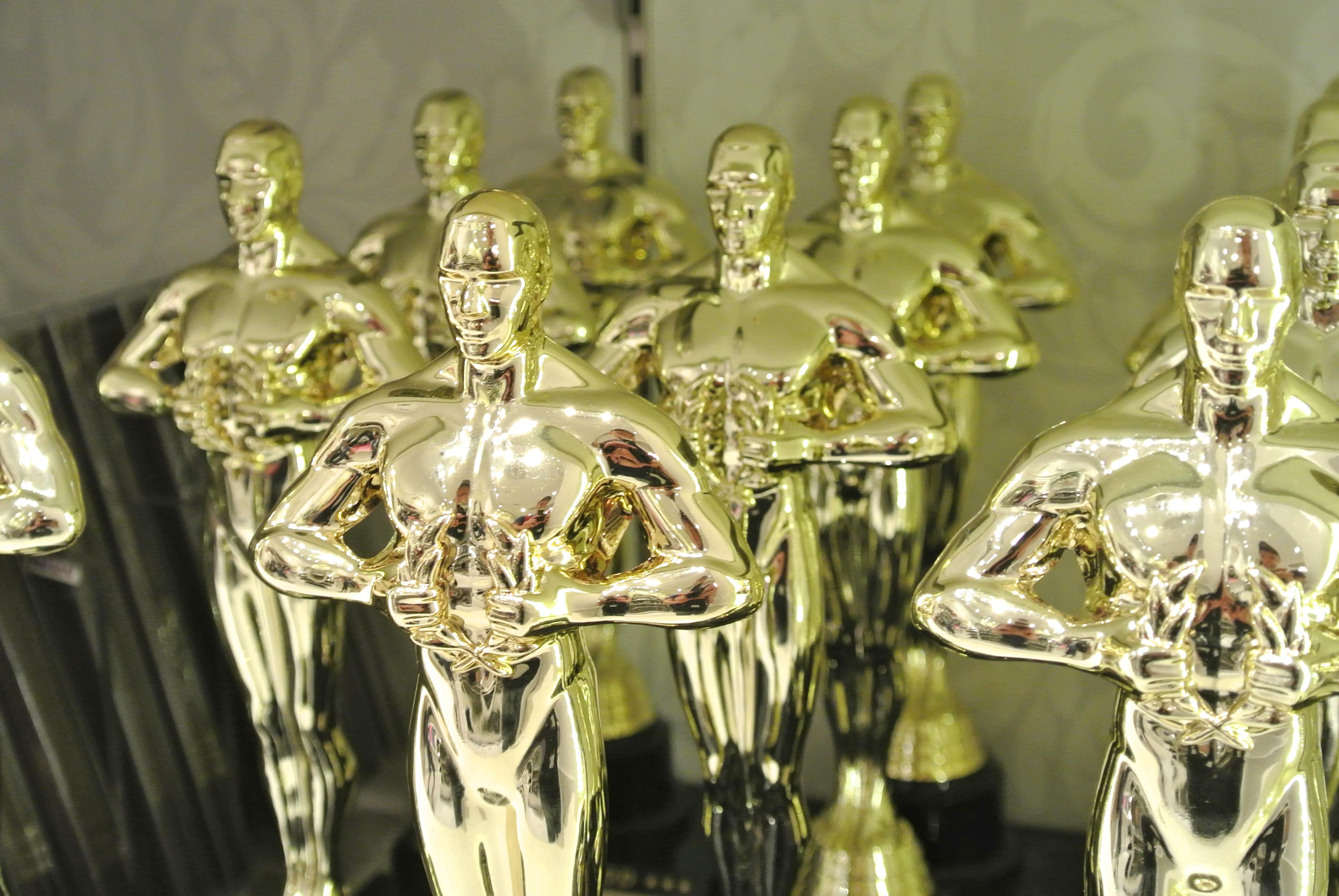 Oscars_for_sale_(69527...
