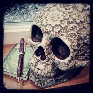 Book Skull (cc 2016) Alison Leigh Lily