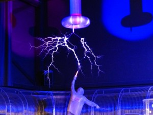 flash-113275_1280 http://pixabay.com/en/flash-tesla-coil-experiment-113275/ Public Domain CC0