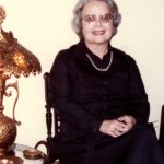 mom-1985-chair-crop