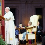 pope-francis-boy-in-chair