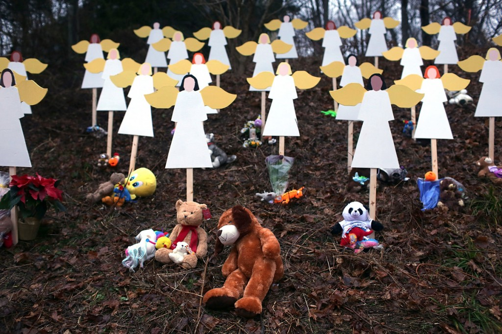 27-angels-near-sandy-hook-school-memorial