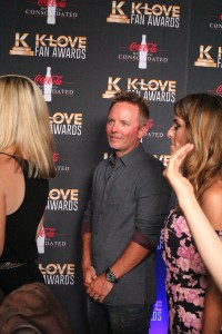 Chris Tomlin on the K-Love Fan Awards red carpet. Image by LeAnn Hamby