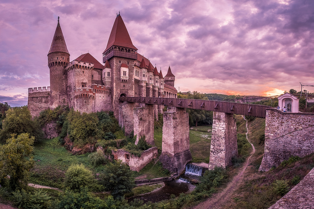 Photo of Corvin Castle by Giuseppe Milo.