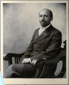 Du_Bois,_W._E._B.,_Boston_1907_summer.