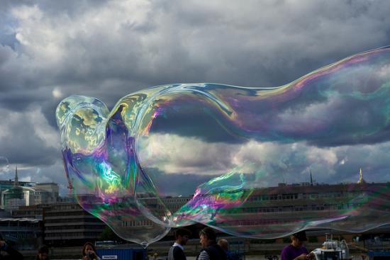 An impossible bubble. (Paul Hudson, CC.)