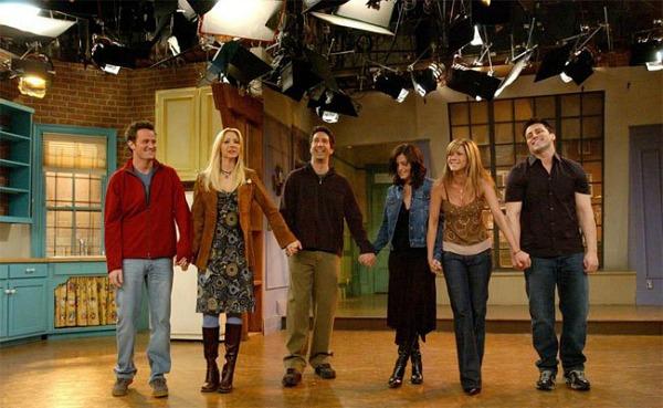 Friends-TV-show-finale-cast-photo-20041