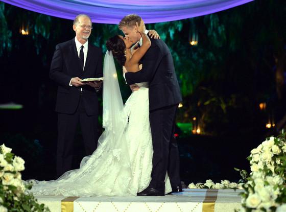 rs_560x415-140127084641-1024.Sean-Lowe-Catherine-Giudici-wedding-bachelor.ls.12714