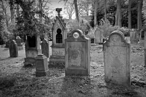 tombstone-2254390_640