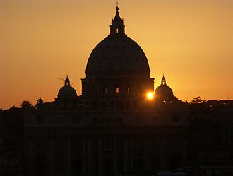 Rom,_Vatikan,_Petersdom_-_Silhouette_bei_Sonnenuntergang_3