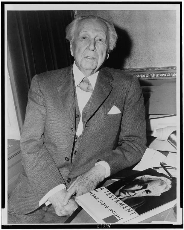 The world s greatest architect dan peterson for Frank lloyd wright parents