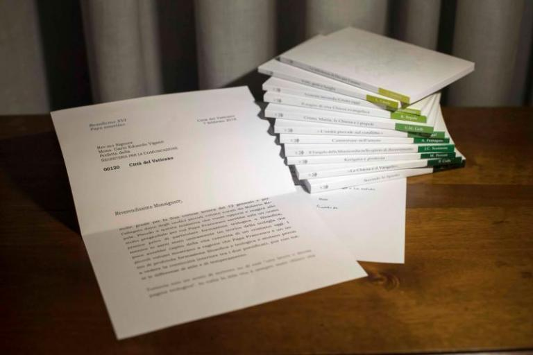 Media FAIL: Vatican admits it doctored photo of letter from Benedict - UPDATED