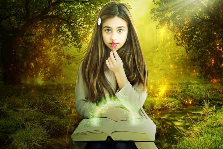 pagan-maiden-with-spring-flowers-equinox-ostara-pixabay-CC0