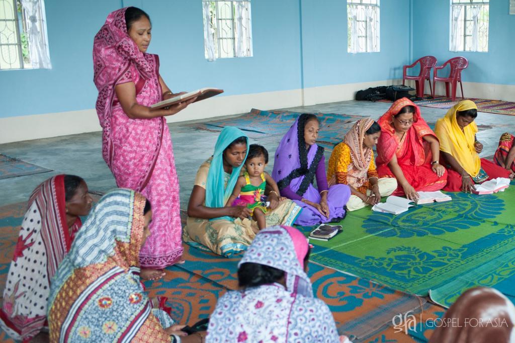 Pursuing the Narrow Road - KP Yohannan - Gospel for Asia