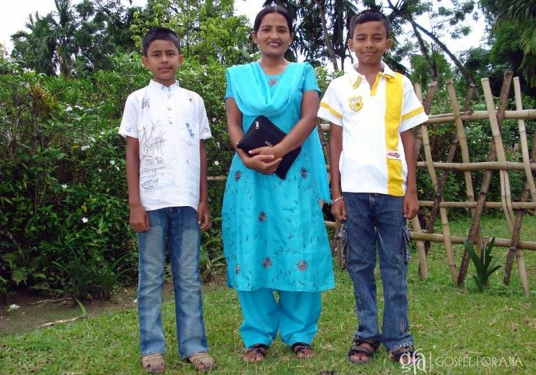 Gospel for Asia-supported missionary Latha with her two sons - KP Yohannan