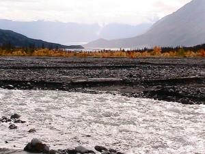 hiking Slim's River West, Yukon (A'äy Chù). photo by Rick McCharles. (cc) 2010.