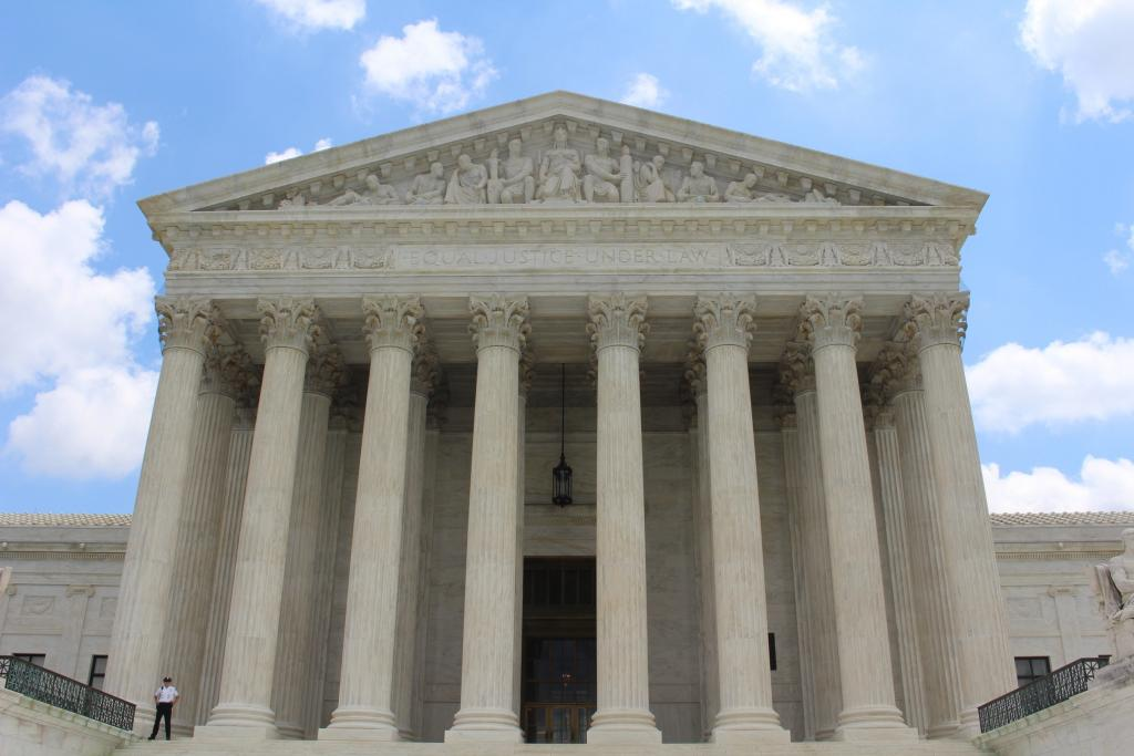 US-Supreme-Court-Building