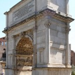 The Arch of Titus in Rome commemorates the destruction of Jerusalem in 70 CE. (Creative Commons photo by Dnalor 01)