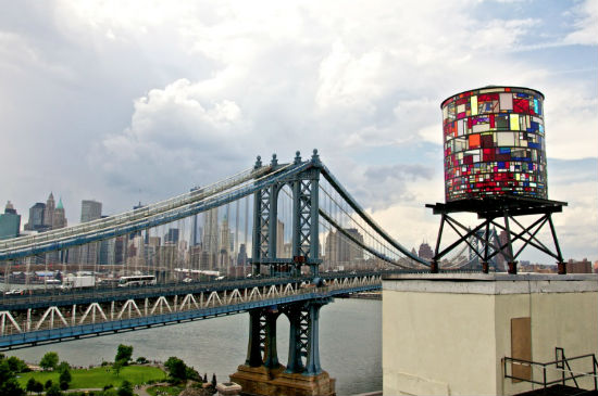 Brooklyn is a Water Tower Town. (click pic to learn more about Tom Fruin's sculpture)