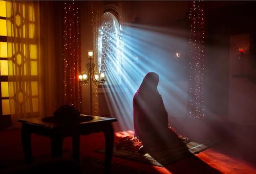 Good girls pray in seclusion