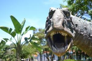 dinosaurs-1104279_640