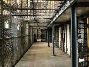 prison-1652896_640