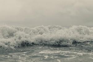 ocean-wave-1081932_640