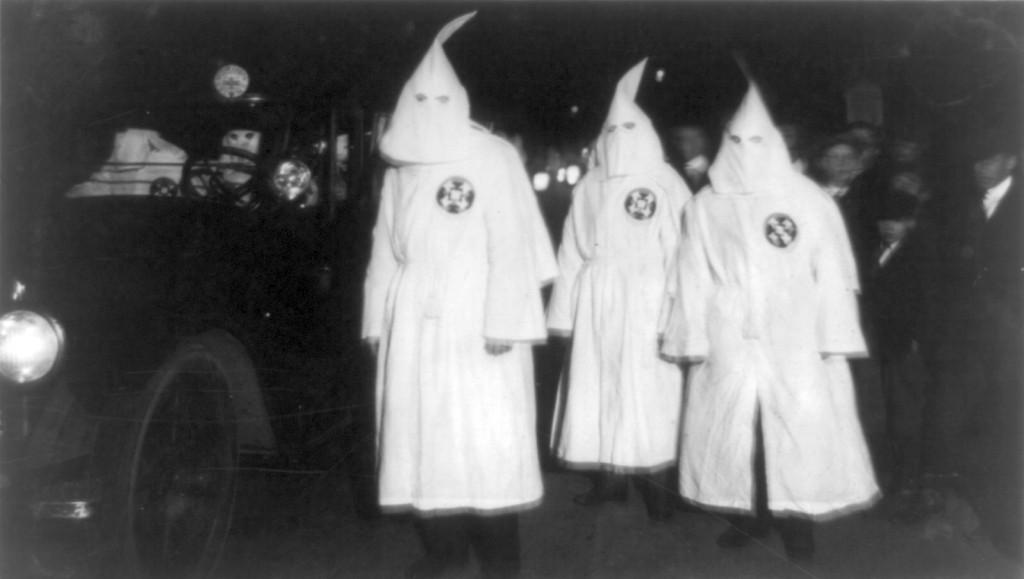Ku_Klux_Klan_Virgina_1922_Parade