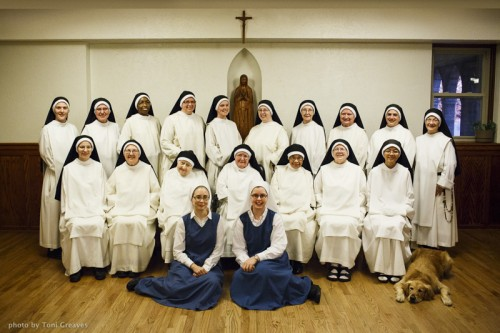 Dominican Nuns of Summit. Community portrait, 2014. (Photo by Toni Greaves)