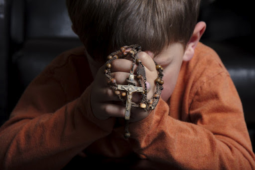 child-in-prayer
