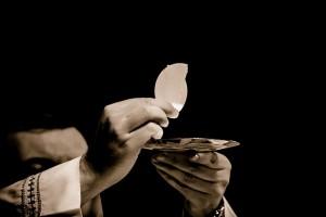 eucharist-1591663_640
