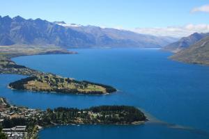 1280px-Queenstown-Nueva_Zelanda05