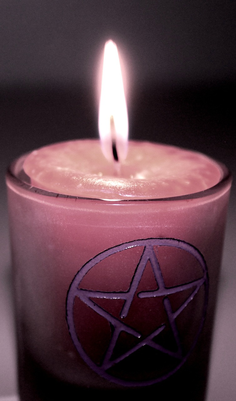 candle-magic-1034839_1280