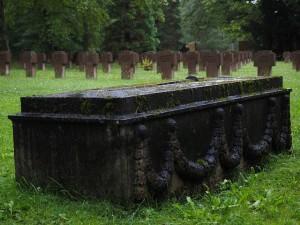 grave-stones-694098_640