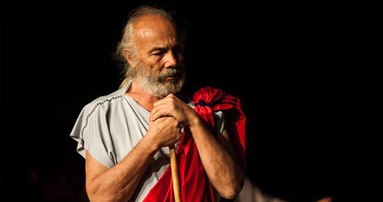 the claim of ignorance in the method of questioning by socrates In order to spread this peculiar wisdom, socrates explains that he considered it his duty to question supposed wise men and to expose their false wisdom as ignorance these activities earned him much admiration amongst the youth of athens, but much hatred and anger from the people he embarrassed.