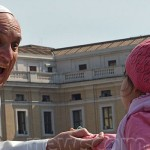 pope-francis-smiling-child