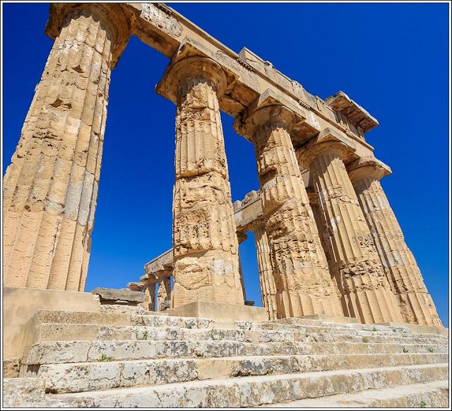 Hera temple photo by Jos Dielis. Licensed under CC 2.0