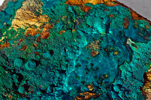 Love Crystals : Chrysocolla for Communication