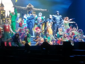 Final bows with the entire cast.